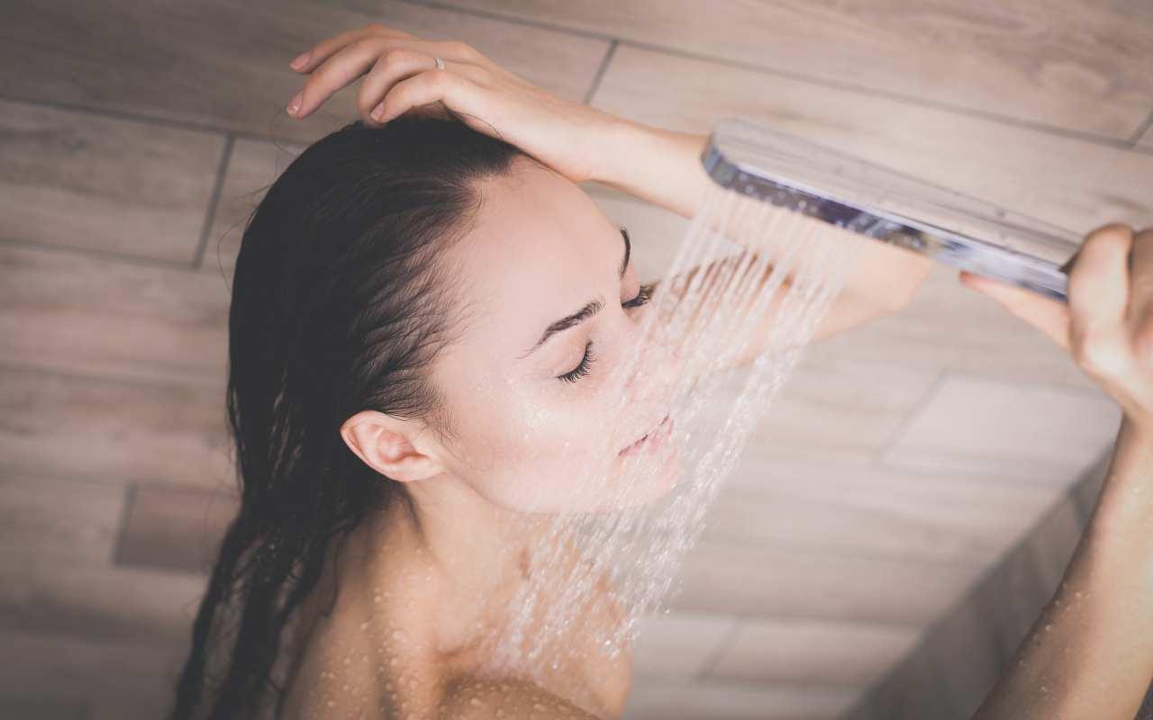Deszczownica – przyjemna opcja pod prysznicem